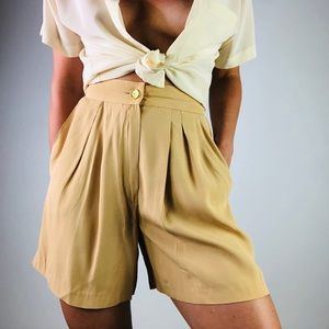 [Vintage]  | Super High Waisted Pleat Front Shorts
